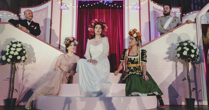 Merry Widow - Opera Bohemia
